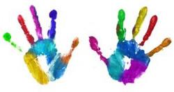 mains-peinture