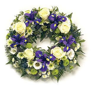 Traditional-round-wreath-Blue-_M.jpg