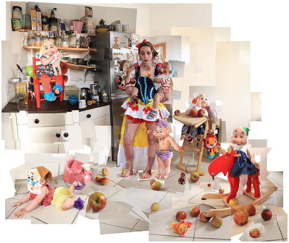 Snow White, seven dwarves, children, single parent, parenting, apples