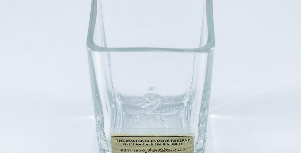 JOHNNIE WALKER GOLD LABEL RESERVE BOTTLE ROCKS GLASSES