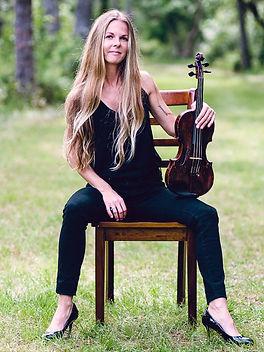Jessie_Taylor_Musician_PhotosbyCarolineJ