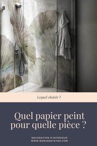 Papier peint sur un mur dans une douche - Décoration d'intérieur