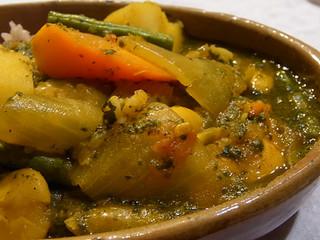 EAT | 白インゲン豆とほうれん草のカレー