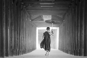 umbrella-1807513_1920_edited.jpg