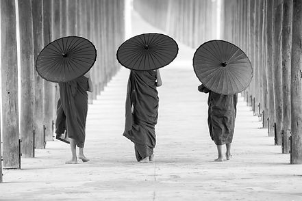 Buddhist%20Monks%20with%20Umbrellas_edit