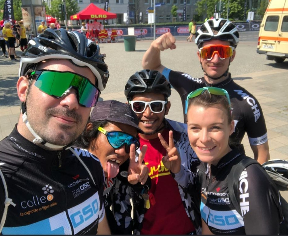 Malaysian riders meet the French riders