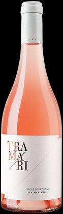 Weinflasche mit Etikette von Tramari Rosato di Primitivo, weisse Etikette,