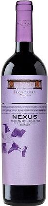 Weinetikette Nexus Crianza Ribera del Duero, violetter Grund mit schwarzer Schrift,