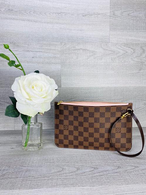 Louis Vuitton MM/GM Pouch Damier Ebene/Rose Ballerine - DOL2199