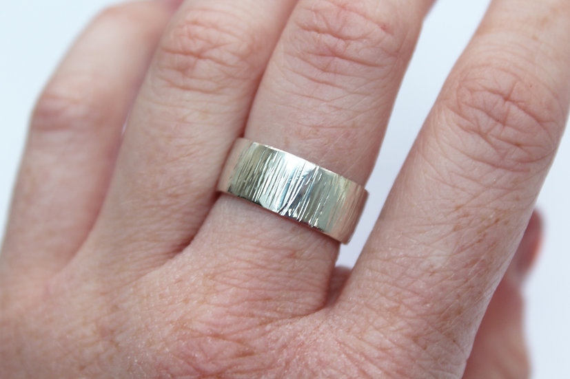 Vertical etched ring