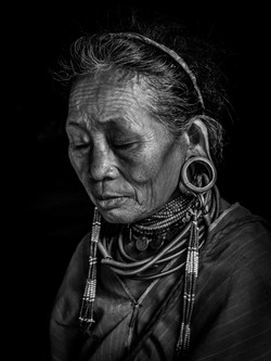 Kayaw woman b&w portrait