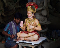 finishing touches Kumartuli