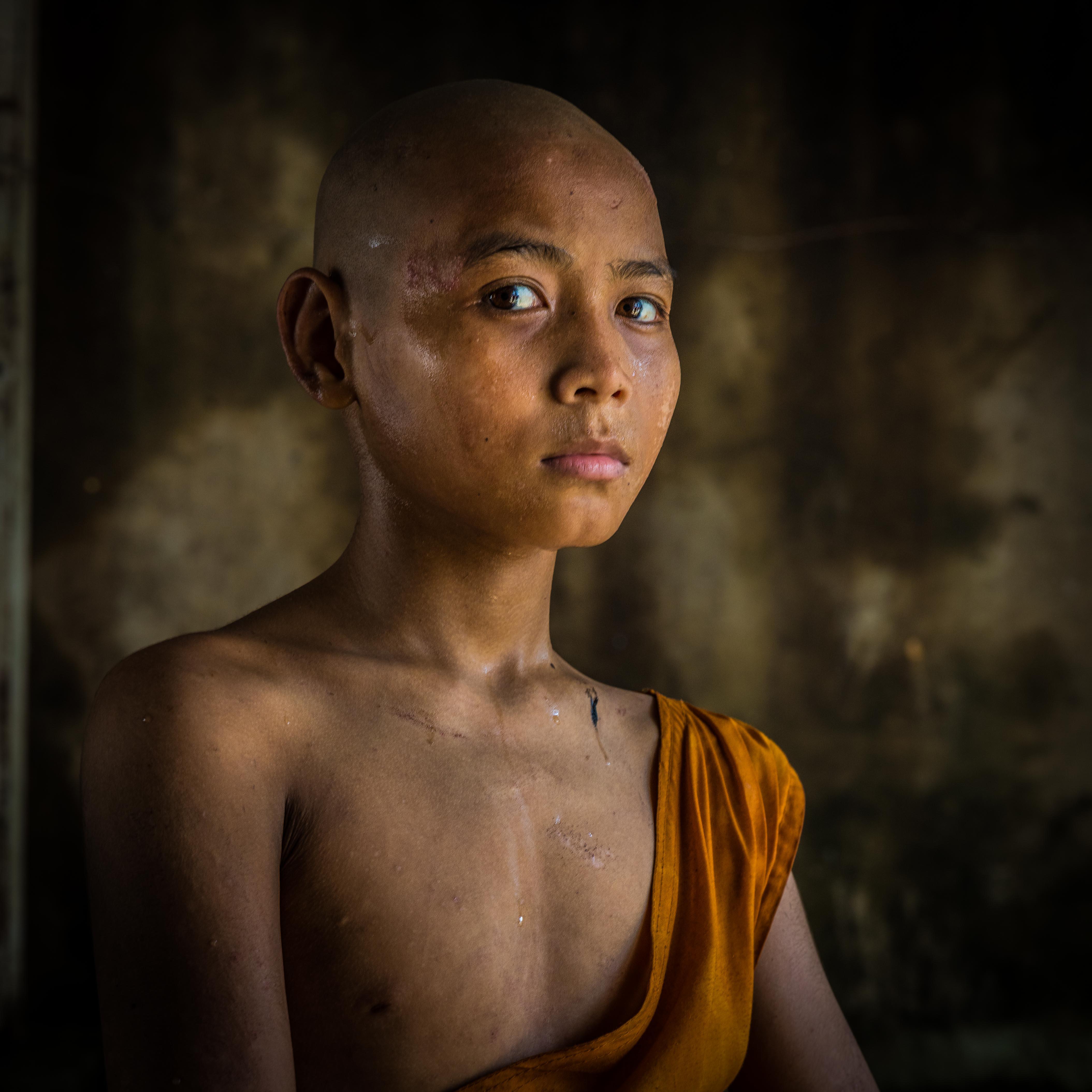 aftershave, Naga Hlaing Gu Monastery