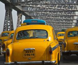 taxis Howrah Bridge