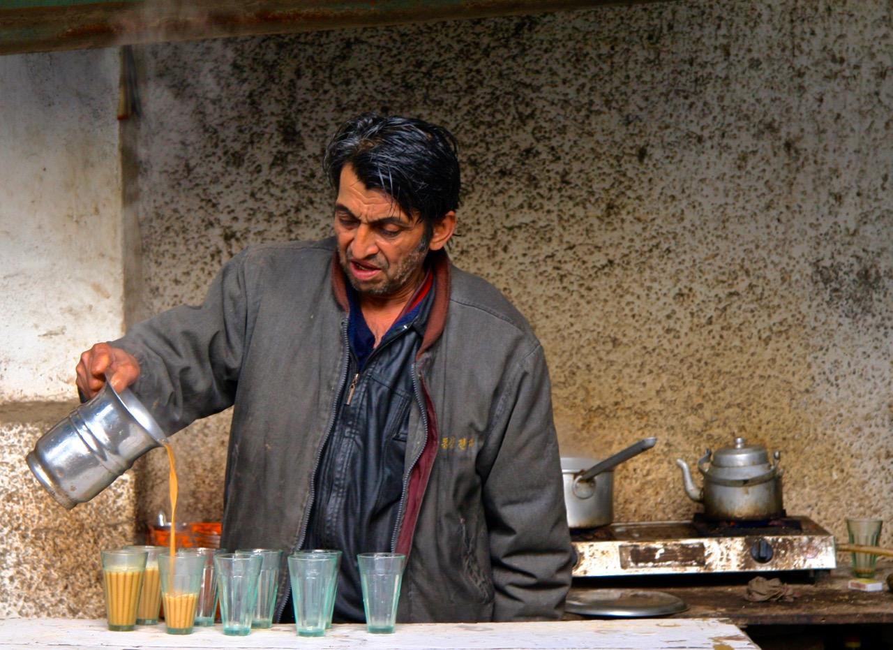 chai wallah, Old Delhi