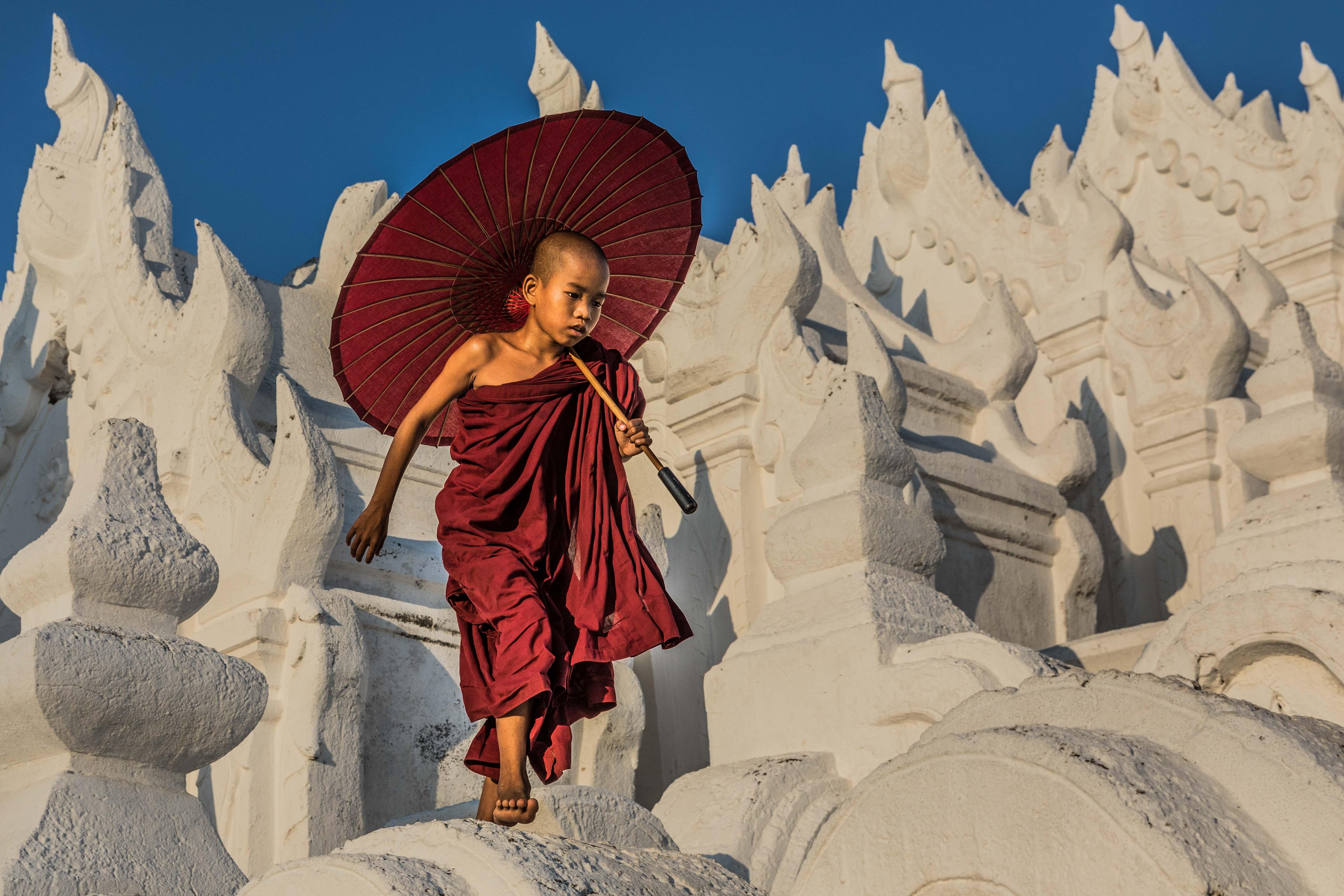 wave jumping, Hsinbyume Pagoda