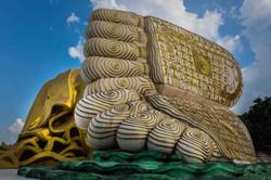reclining Buddha (feet)