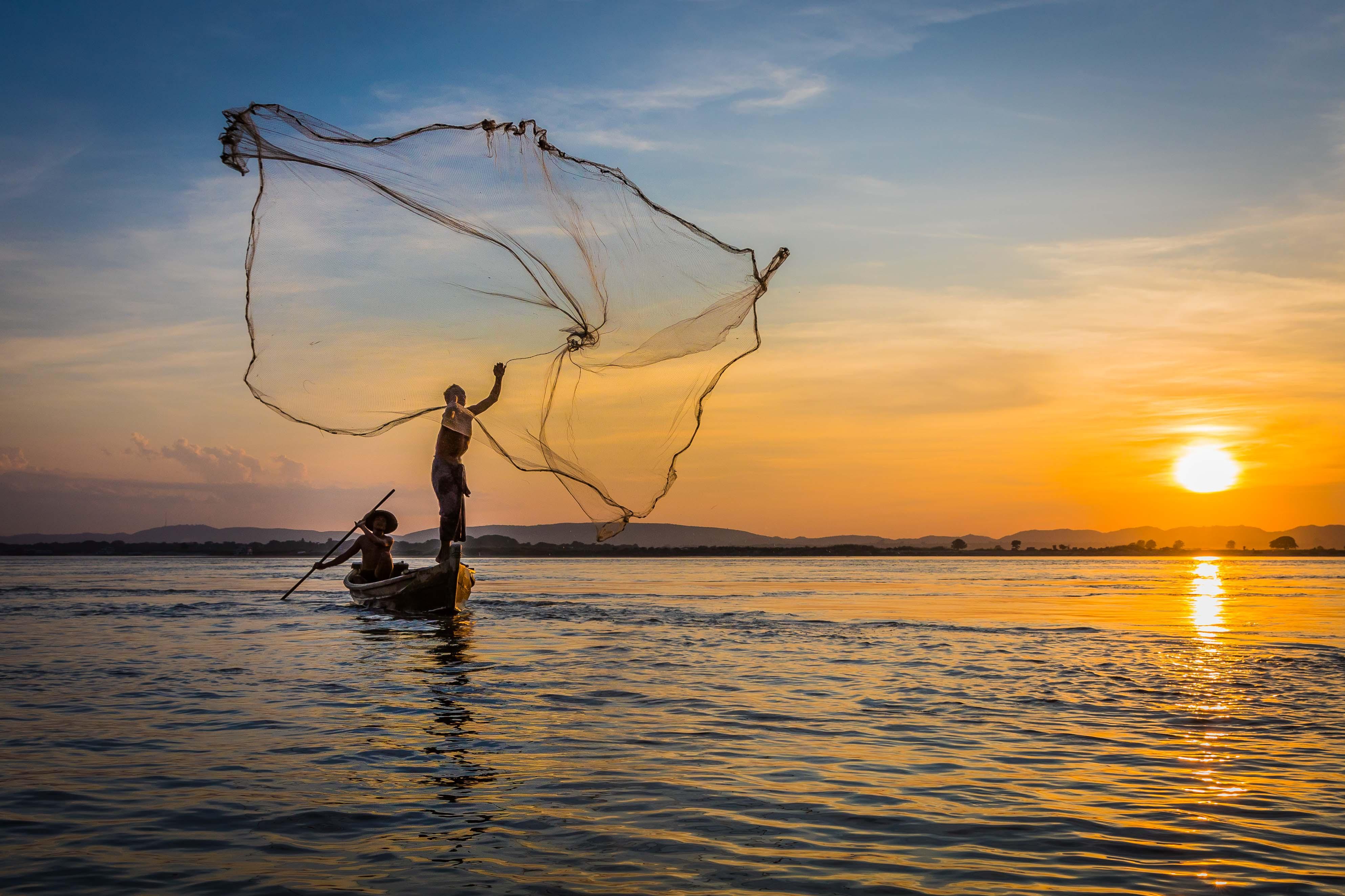 Ayeyarwady net-fishing throw