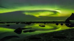 aurora reflections Uttakleiv