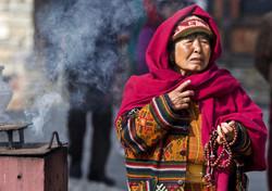 woman incense prayers