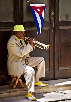 trumpet player in yellow, Havana