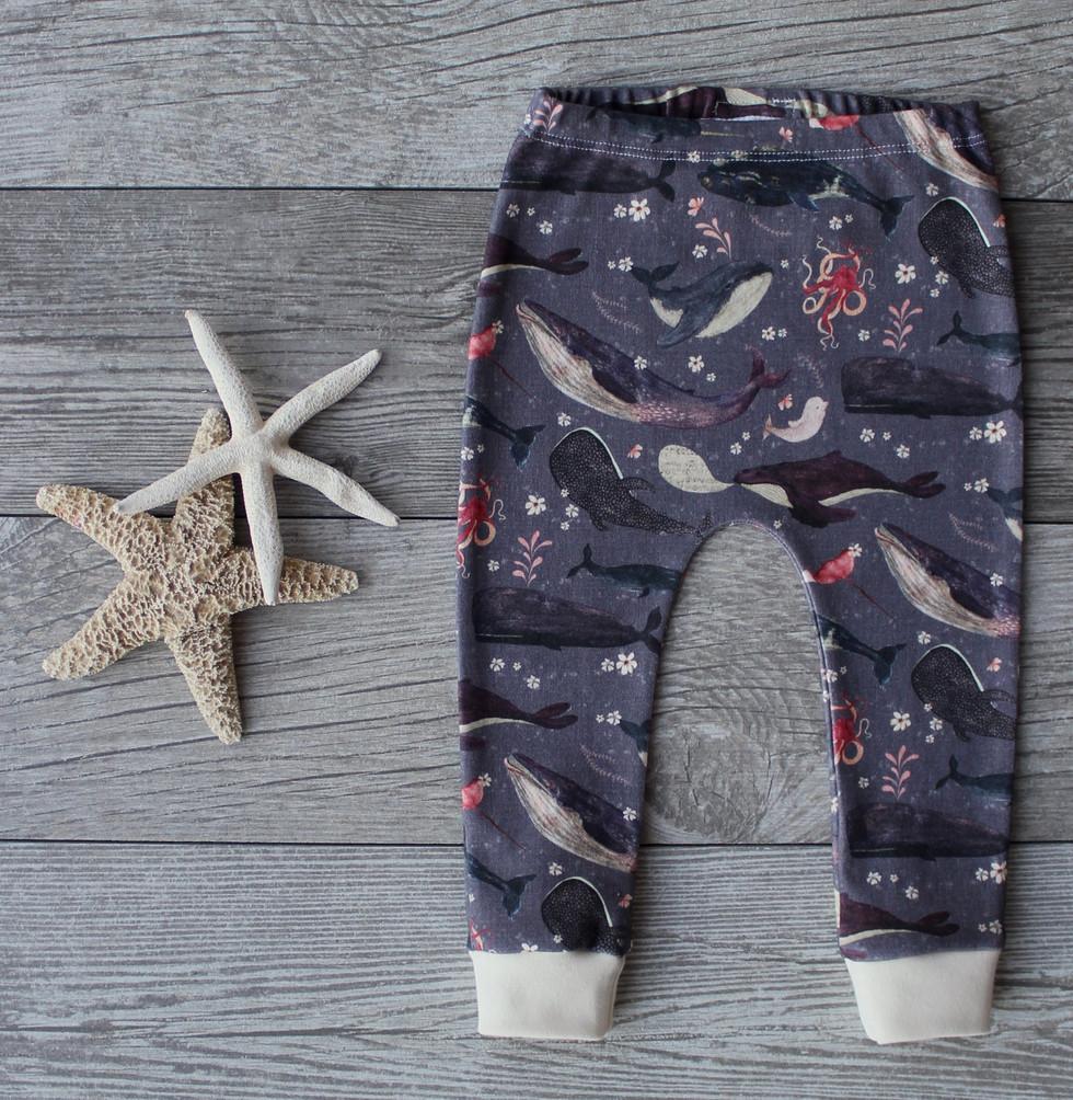 Whale's song lavender leggings
