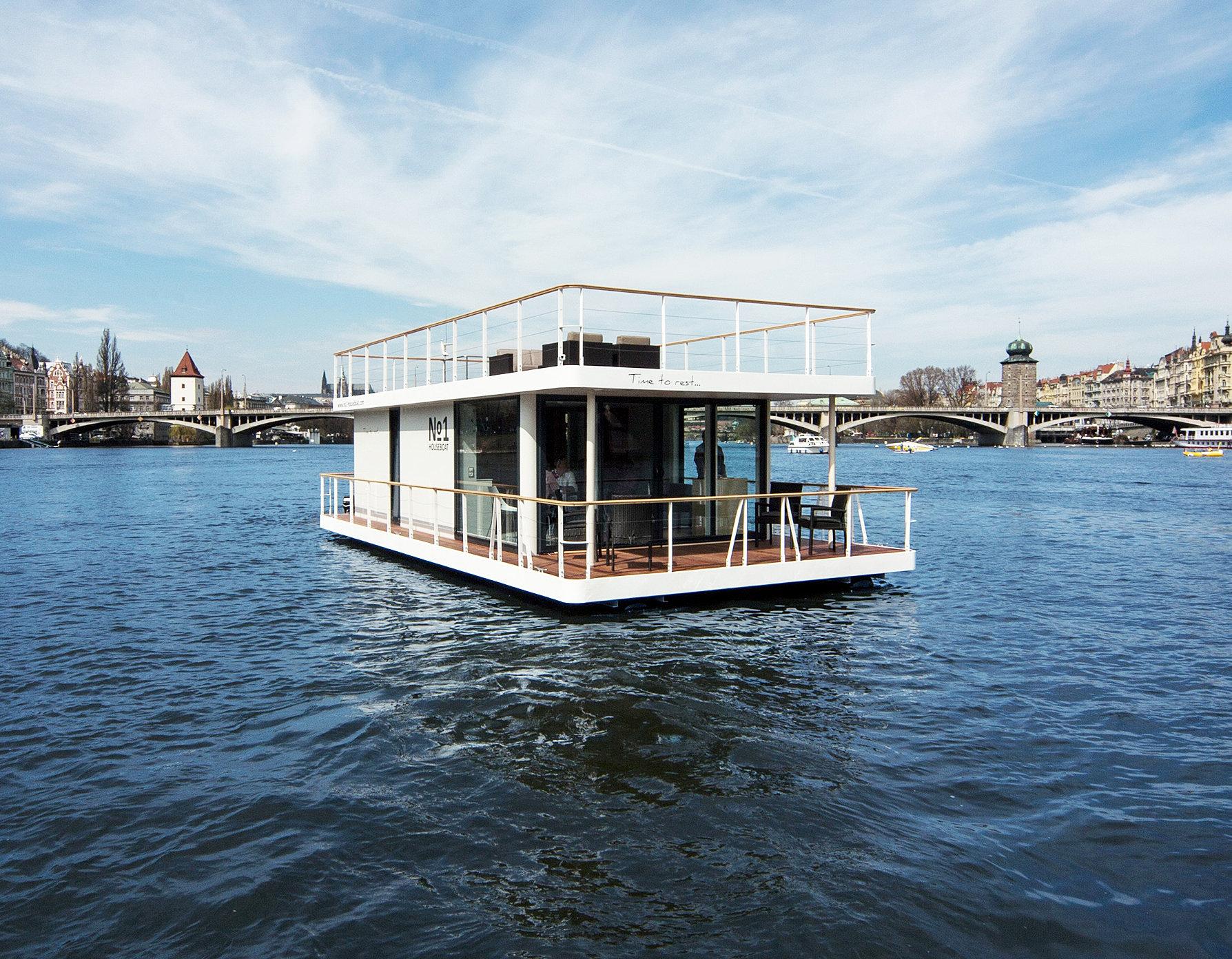 hausboot kaufen oder mieten erf llen sie sich ihren traum hausboot mieten oder kaufen in k ln. Black Bedroom Furniture Sets. Home Design Ideas