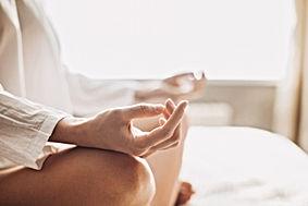 Jezlef zijn, alles is oke. Door Meditatie, yoga of energetische behandeling kom je dichterbij jezelf