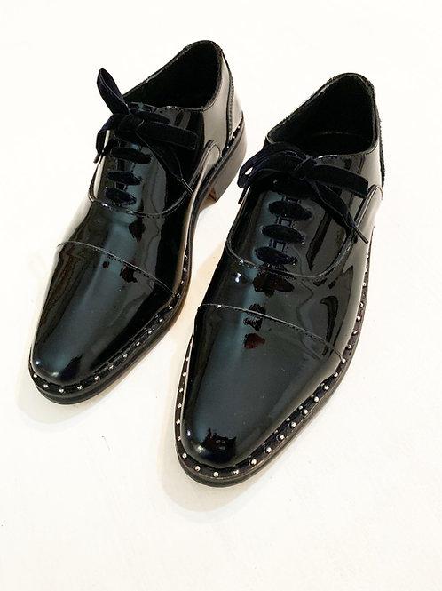 zapato ingles tachas