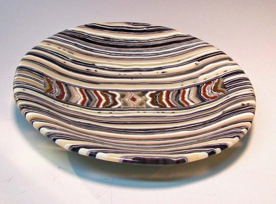 Brown-strip-plate-round-large2.jpg