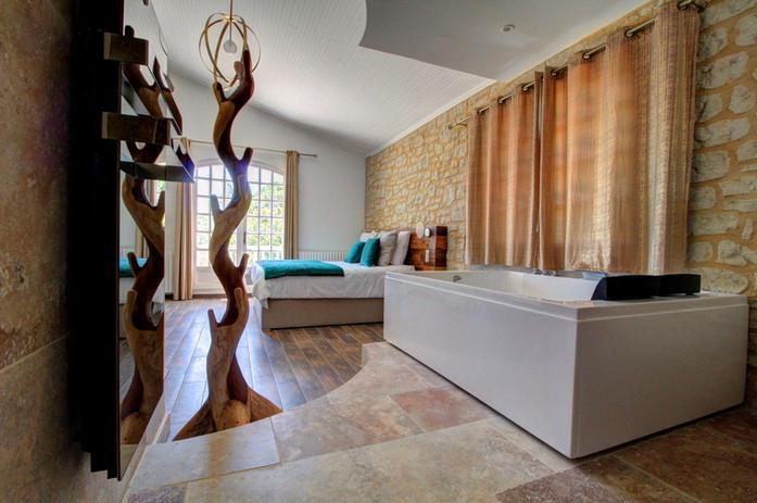 L'étoilée - Suite de luxe avec baignoire jacuzzi