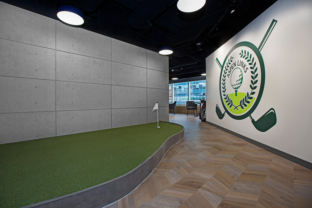 Bell Tower Golf Simulator and Lounge