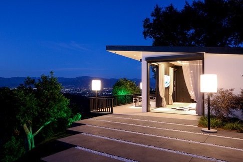 Mulholland Guest Residence