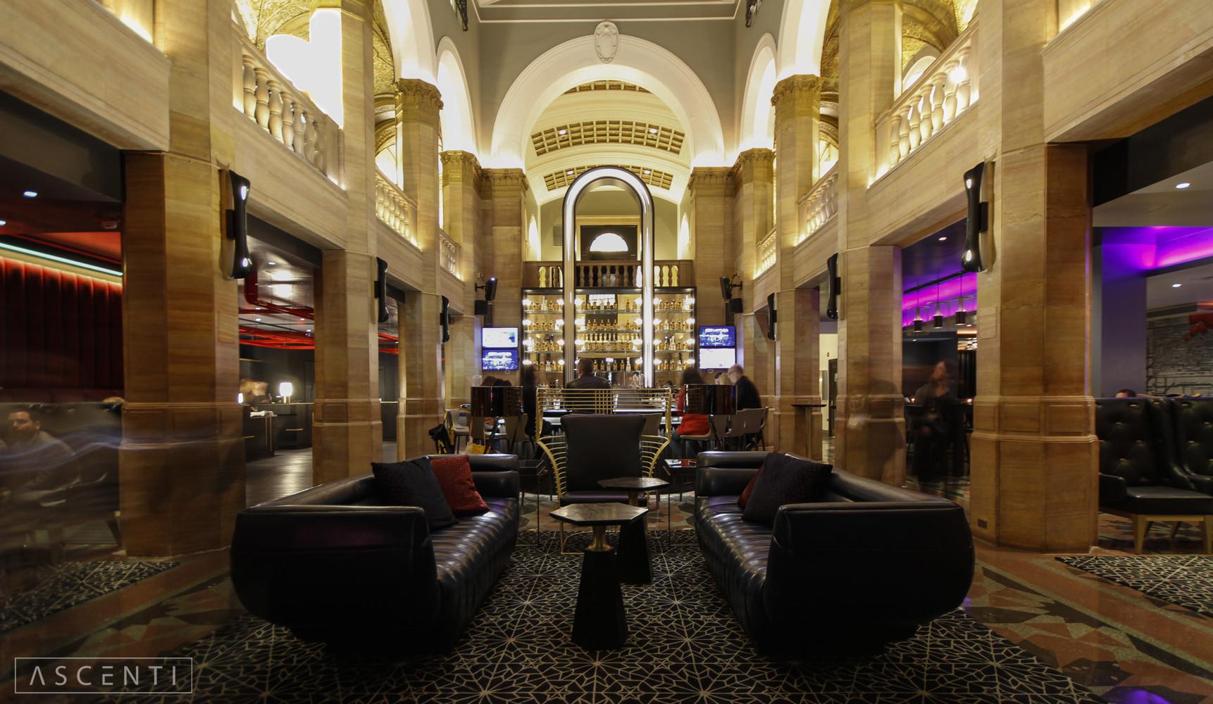 W_Hotel_Chicago_City_Center_7_wm.jpg