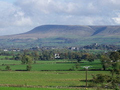 Pendle_Hill_and_the_Ribble_Valley_-_geog