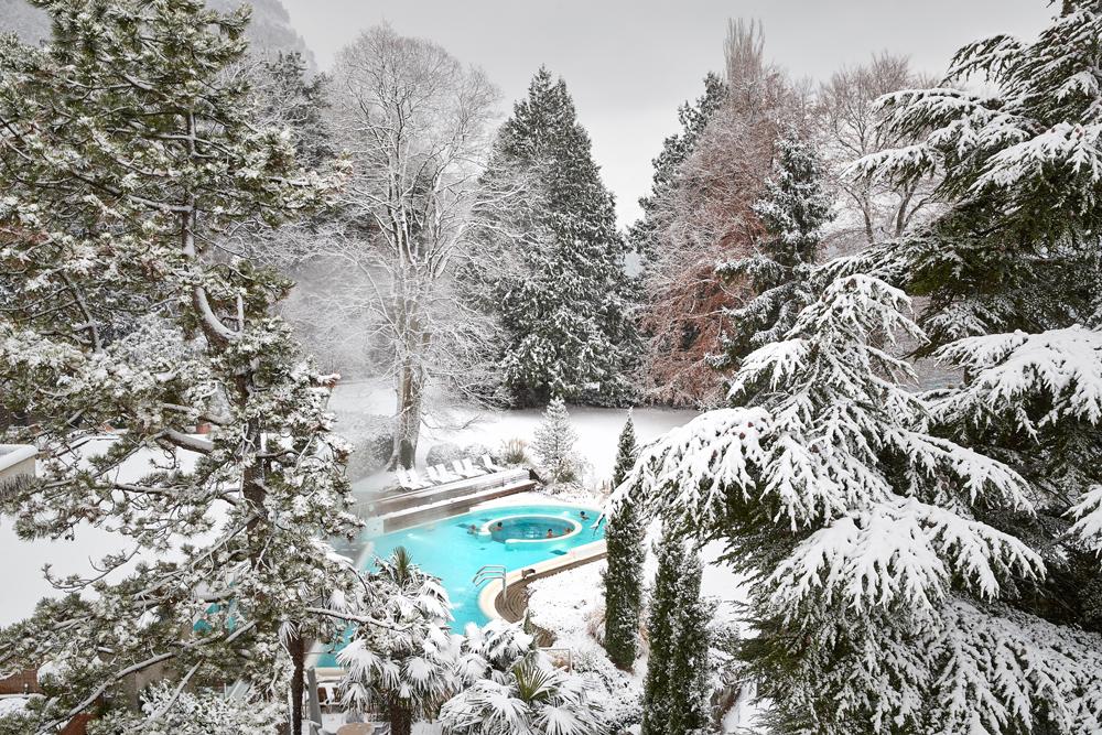 SOLBAD-umringt-von-Schnee