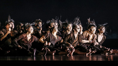 '13 Tongues & Dust', Cloud Gate Dance Theatre of Taiwan - Sadler's Wells