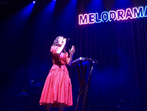 All the Glamour, Trauma and F*cking Melodrama: Lorde at the Brighton Centre 30.09.17