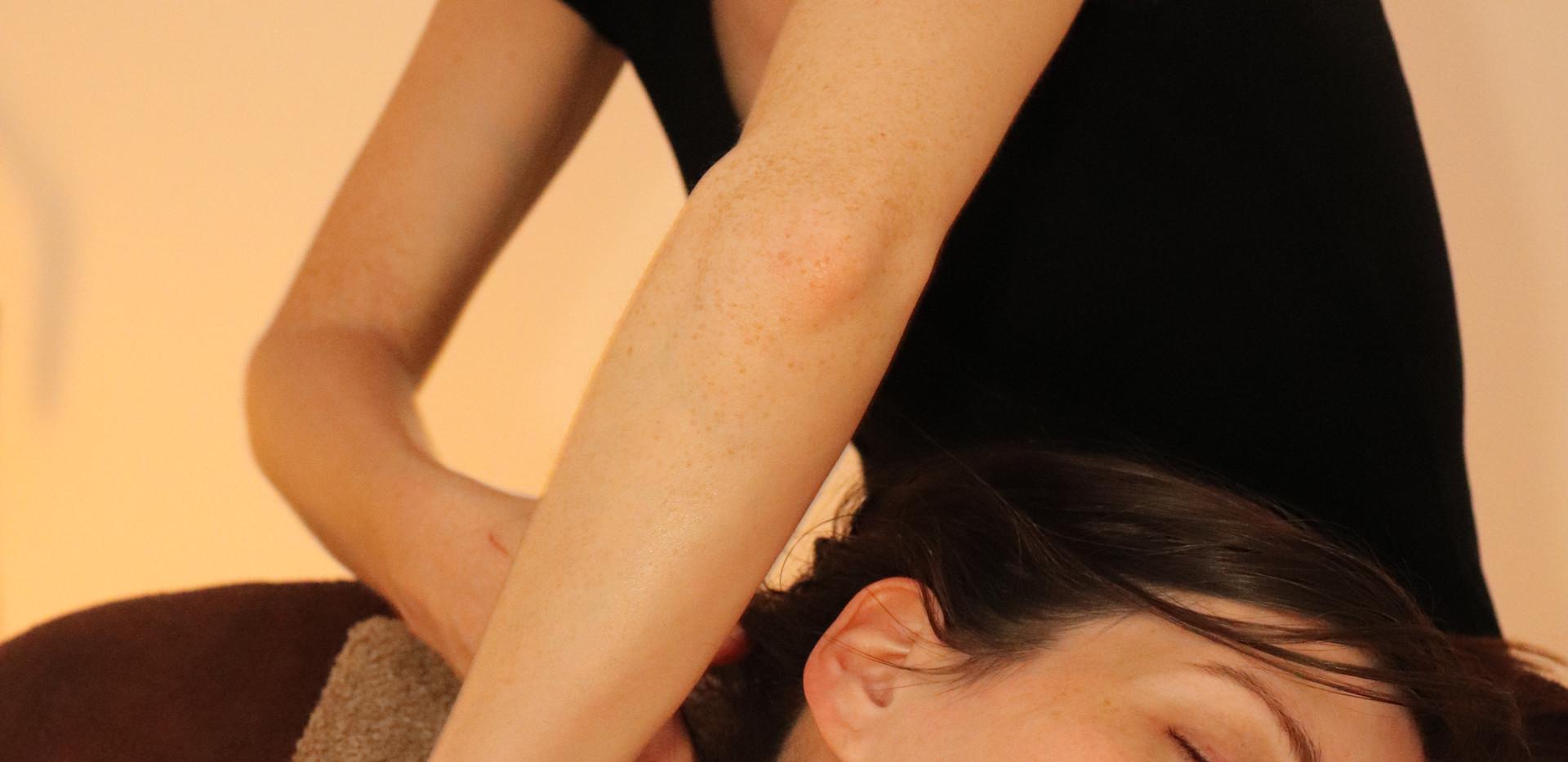 Massage prénatal nuque