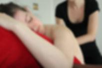 Massage prénatal dos rouen darnetal bien naît