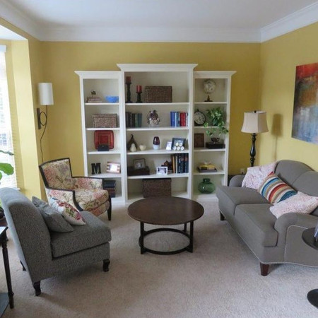 Cheerful and Bright Sitting Room/Living Room