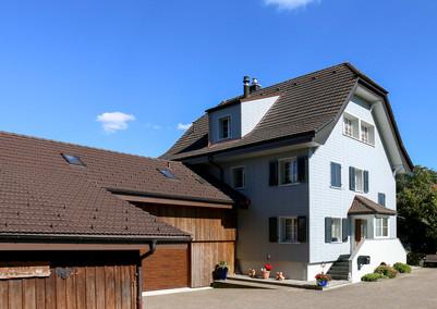Dach- und Fassadensanierung