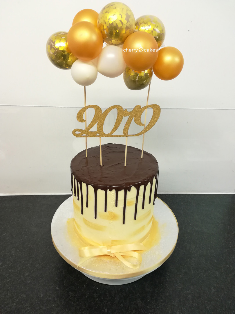 New Year 2019 Balloon Drip Cake