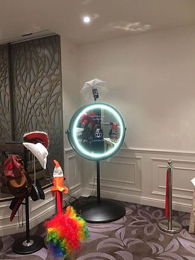 seamill hydro magic mirror for the wedding guests entertainment