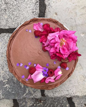 Chocolate_with_Raspberry_and_Cream_Chees