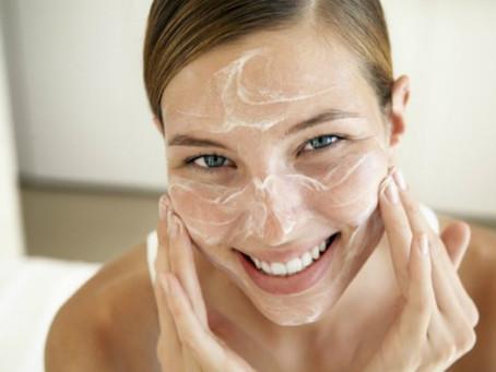 Consejos de la Dra. Anita Vergara: La importancia de Hidratarse la piel y el rostro