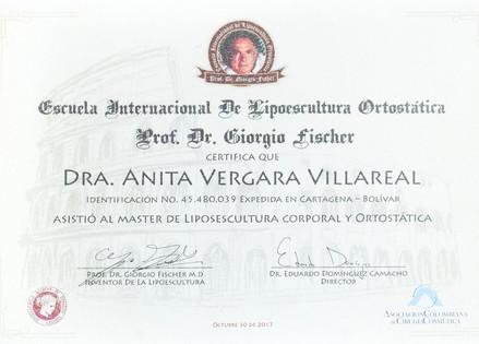 Dra Anita-1835_edited.jpg