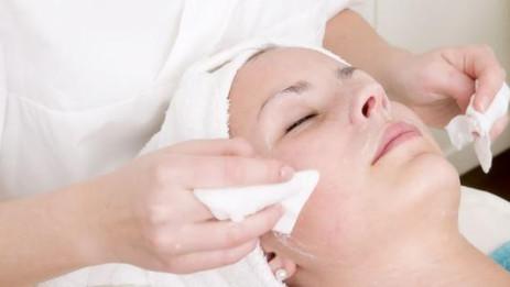 Limpieza facial: Consejos para tener un rostro impecable
