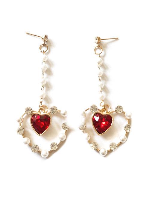 Boucles d'oreilles coeurs pendantes strass cristal rouge et perles blanches doré