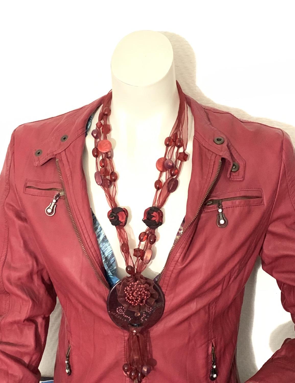 Thumbnail: Collier rouge en Acétate et Céramique style Fleur